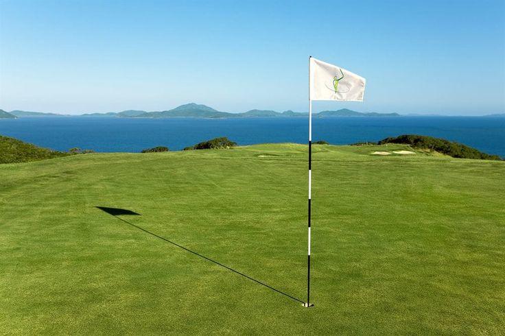 Hamilton Island Reef View Hotel - golf course