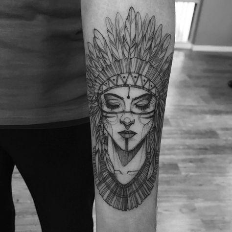 Tatuagem feita por Ricardo da Maia de Curitiba. Índia em blackwork. #tattoo #tatuagem #tatuaje #art #arte #tattoo2me #blackwork #sketch