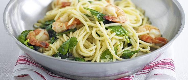 Spaghetti con gamberi e spinaci