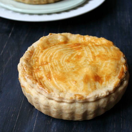 A brazilian treat with a flaky, buttery crust filled with palm hearts and mascarpone.