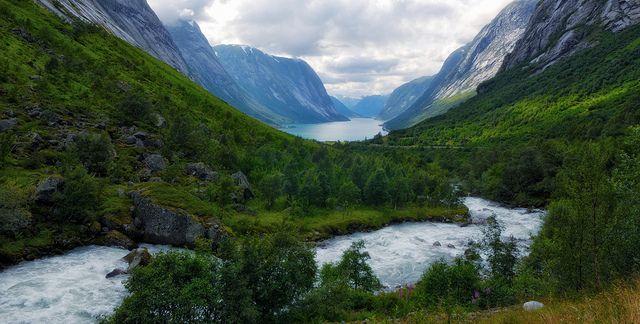 Kjøsnesfjorden by Bergen64 (via Flickr)