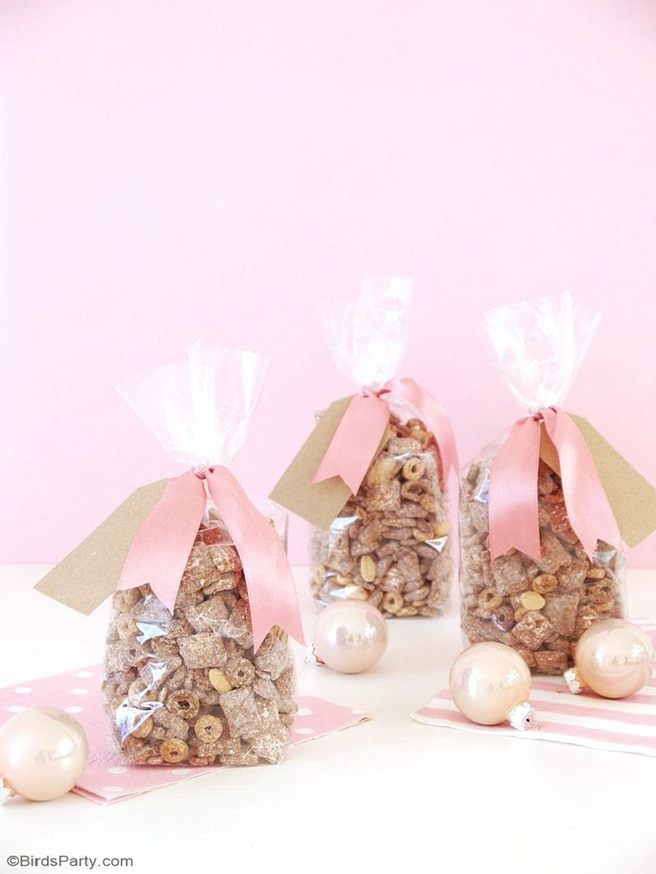 wedding favors ideas do it yourself%0A Chocolate Peanut Butter Muddy Buddy Recipe  perfect for party snacks or  for holiday gift