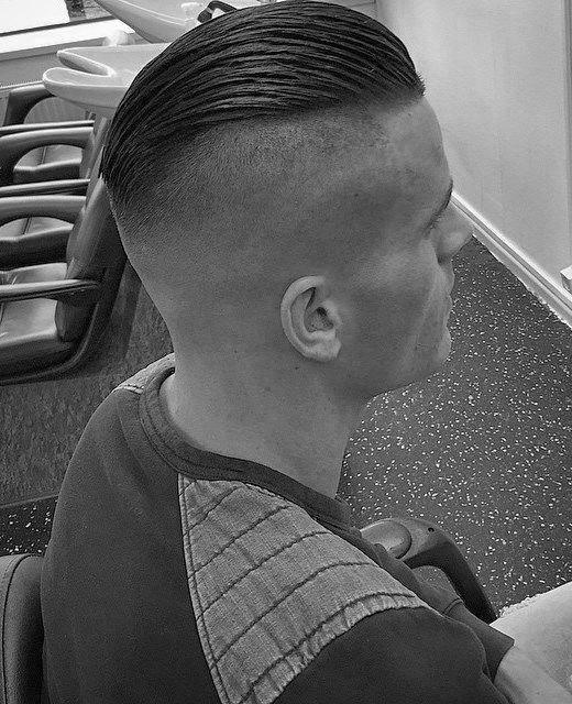 40 Slicked Back Undercut Haarschnitte für Männer - Manly