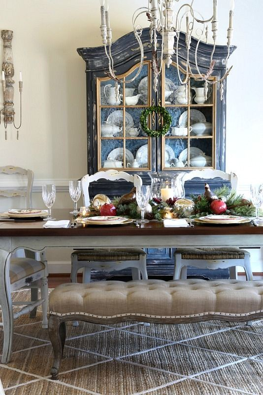 Savvy Southern Style: Traditional Christmas Table....Styled and Set Tour