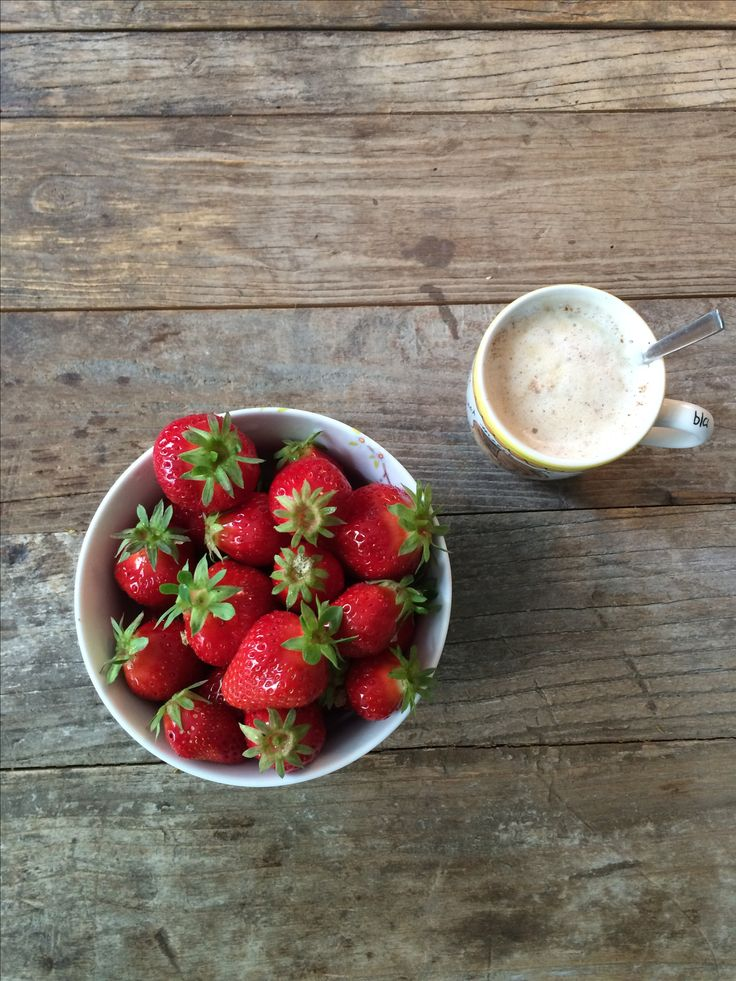 Good start of the day! #ingeborgheule #photography #strawberries ❤️ #work #style-over