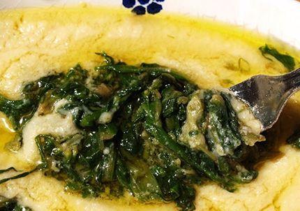"""La #ricetta di questa settimana è un classico pugliese e del Sud Italia più in generale: le #fave con la #cicoria cotte nella """"pignata"""" o in una pentola in coccio. Photo credit: Nunzio Pacella  #chefboris"""