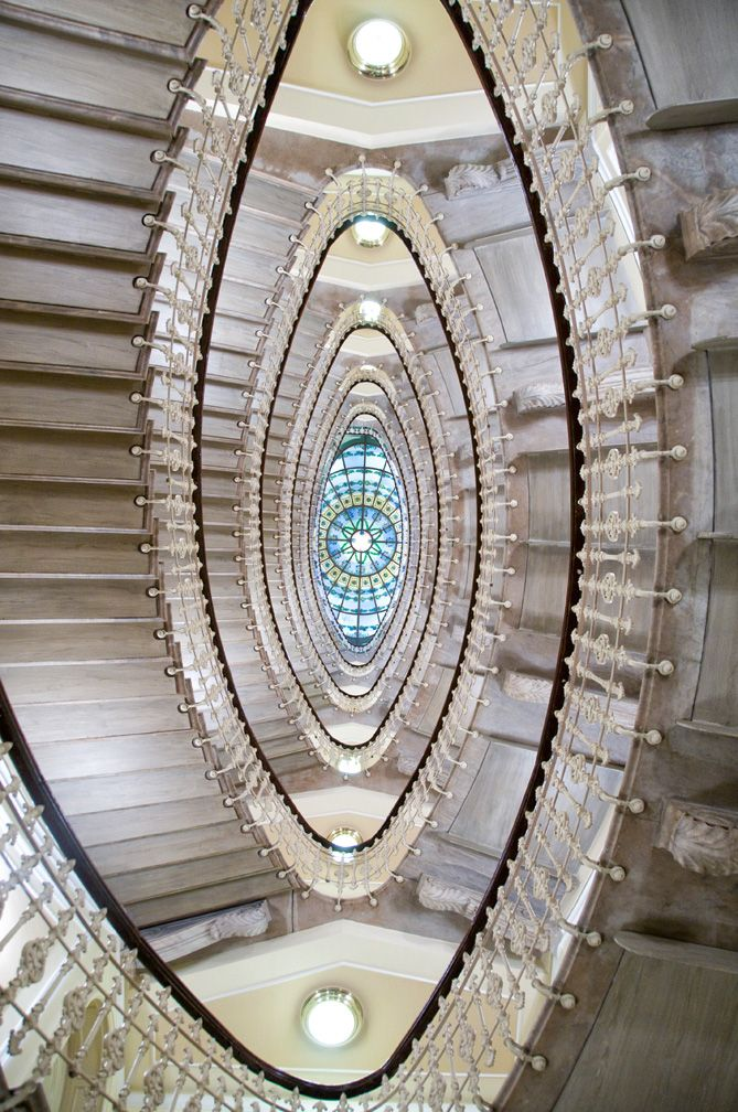 Shot by my favorite photographer...Scott Kelby. Staircase in Genoa, Italy
