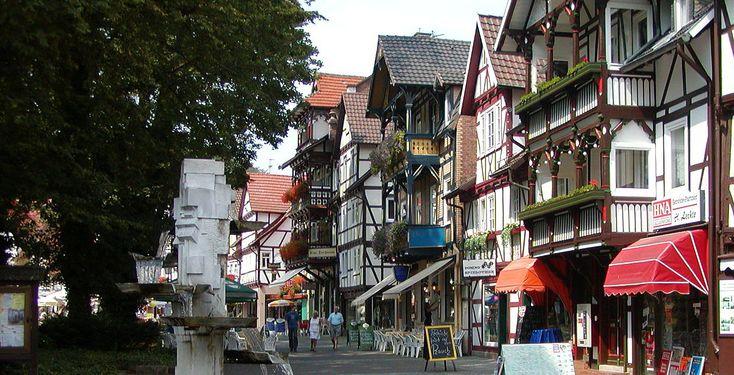 Bad Sooden-Allendorf (Hessen): Bad Sooden-Allendorf ist eine Stadt und ein Kurort in Hessen (Deutschland) und gehört zum Werra-Meißner-Kreis