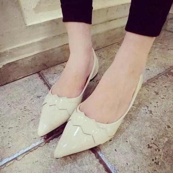 Новое поступление корейский мода квартир женщин лакированной кожи острым носом квартиры женская обувь мокасины Canday цвет украшение квартиры обувь купить на AliExpress