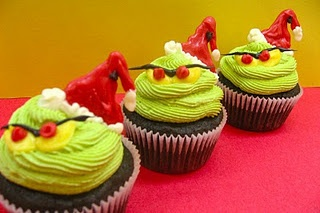 Grinchy Cupcakes with a surprise center! Love these!: Holiday, The Grinch, Sugar Swings, Sweet, Food, Grinch Cupcakes, Christmas Treats, Christmas Party, Grinch Party