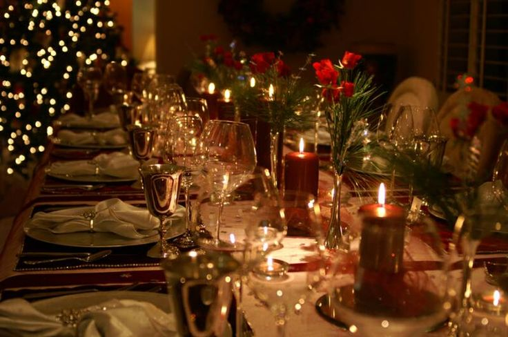 Elegant christmas table decorations this elegant holiday Christmas party table settings