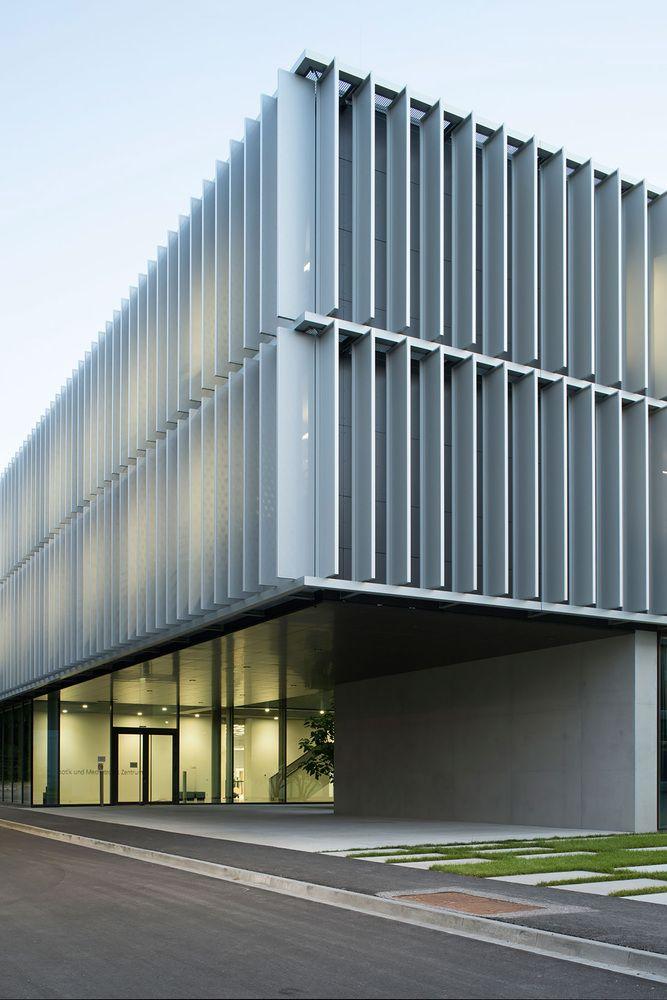 DLR Robotics and Mechatronics Center,© Henning Koepke