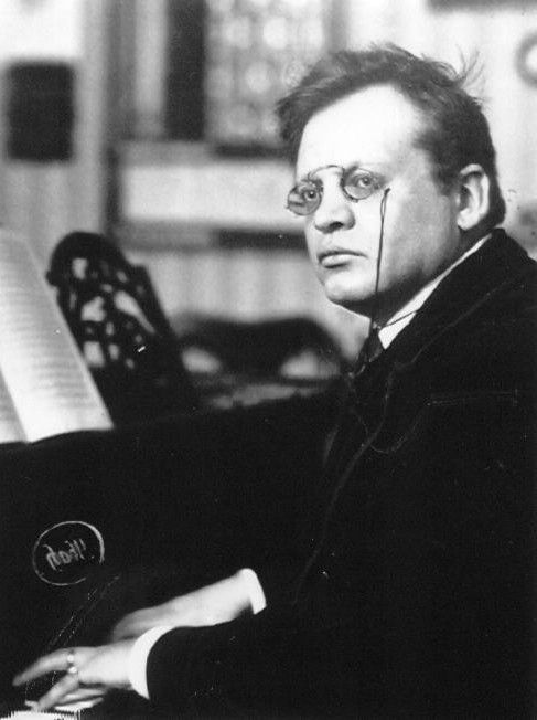 Max Reger (1873 - 1916) Reger is considered by many to be the most important composer to elaborate on the stylistic traits of Johannes Brahms and move German music into the twentieth century. He was an extremely prolific composer, surpassing many of the ninetheenth century masters in volume during his short life. He was also a driven man, consumed by hard living.