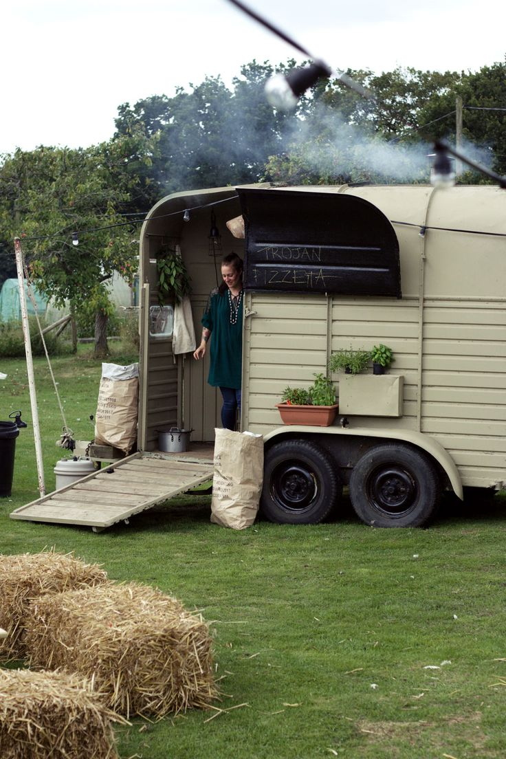 Wood Fired Pizza from a horse box.