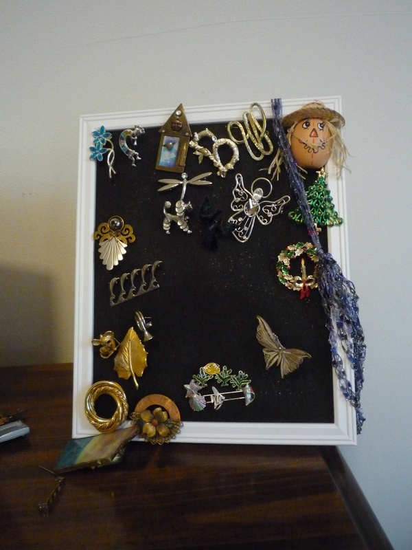 Brooches Display Frame