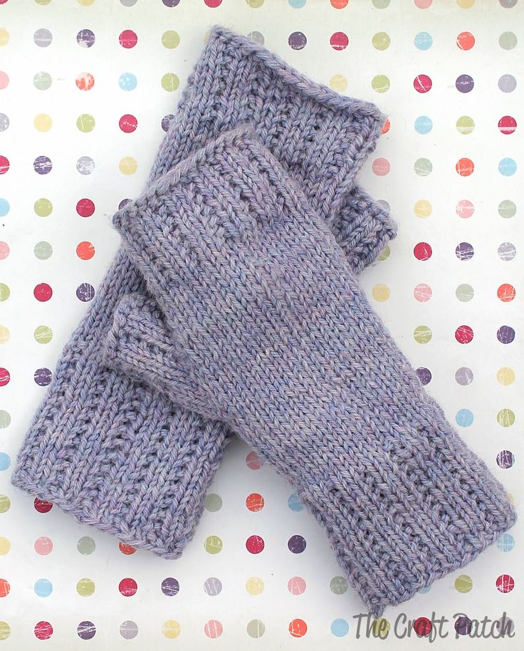 How to knit fingerless gloves. These are so cute! Love the broken rib stitch.