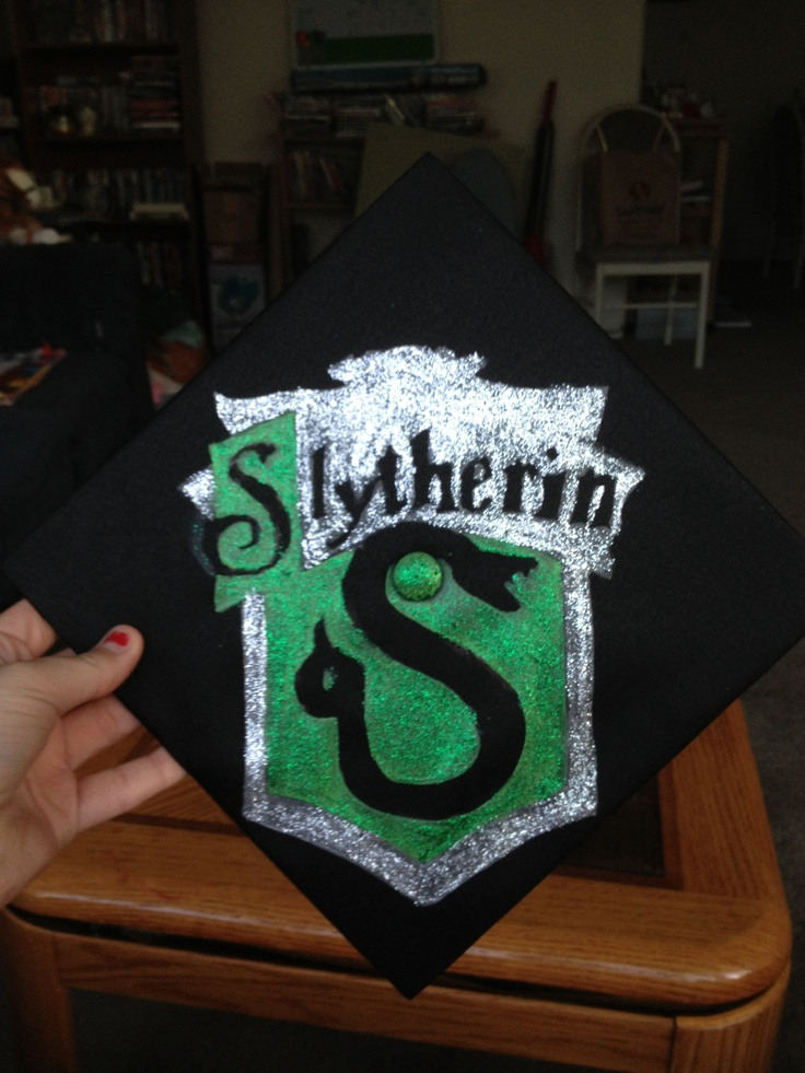 slytherin graduation cap decoration found template thanks to google painted sharpie 39 d it on. Black Bedroom Furniture Sets. Home Design Ideas