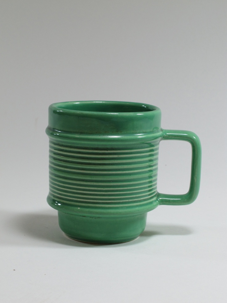 Titian Studio, mug Titainware (1372), 1958-1965, Auckland, New Zealand. Collection of Auckland Museum, 1997.13.1