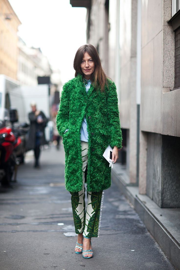 grassy green. #AuroraSansone in Paris.