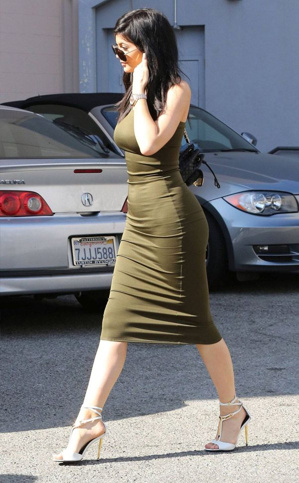 Kylie Jenner Vestido Verde Street Style