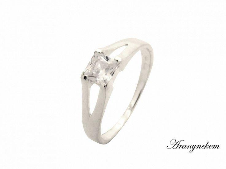 Fehér cirkónia köves ezüst gyűrű