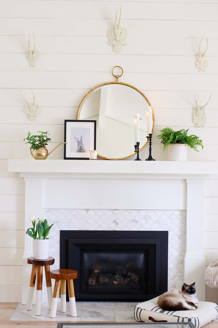 simple mantel decor for spring home spaces rooms farmhouse rh pinterest com