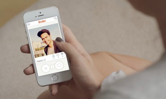 Here's how to play the Tinder drinking game.