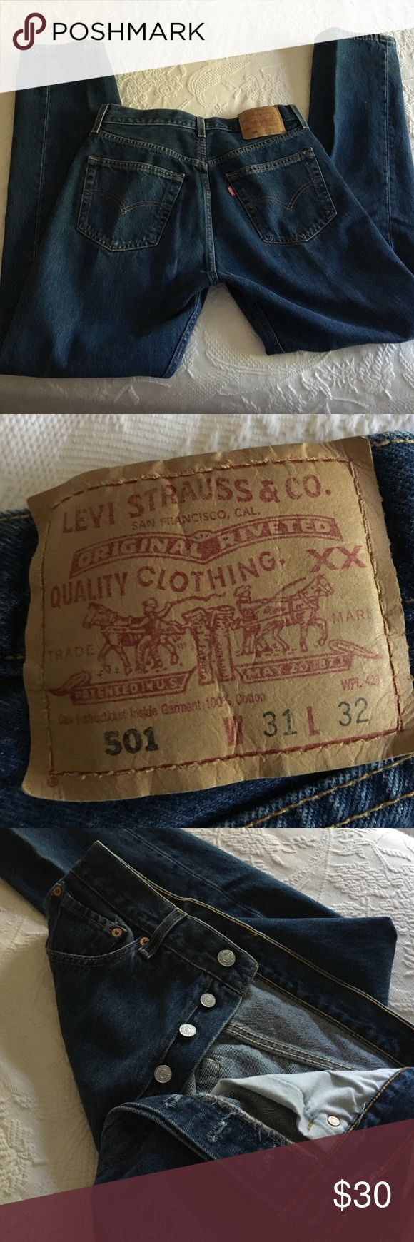 Women's or men's button fly Levi's 501 Good looking button fly jeans - straight leg- 31/32 Levi's Jeans Straight Leg