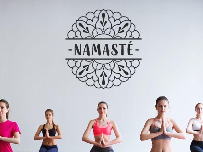 Namaste Zwischen Mandala Halften Wandtattoo Wandtattoo Namaste Glattputz