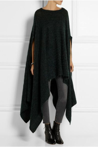 Oversized drapped knitted sweater