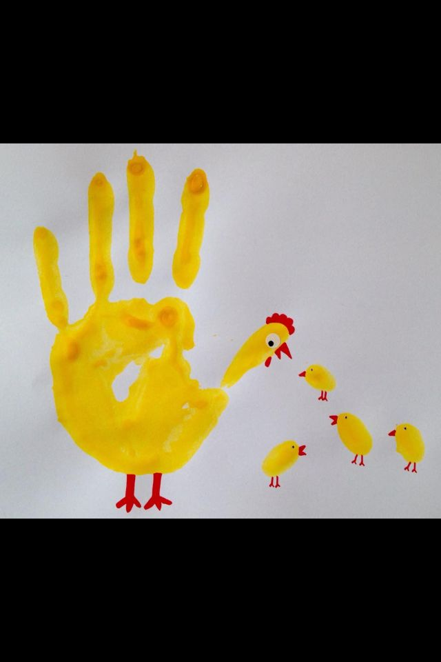 Finger painting cicken family yellow art school lab Handabdruck-Huhn