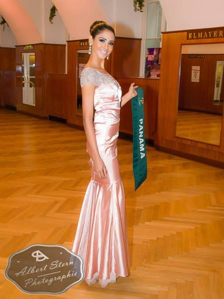 Miss Panama - Carmen Jaramillo  posing during the evening gown parade as part of the activities of Miss Earth 2015 #Coverage #MissEarth2015 #BeautyPageant #Austria #ZarDeMisses #BeautiesForACause
