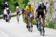 Alberto Contador tries to stick with Chris Froome as the Sky rider attacks during stage 5 at the Criterium du dauphine