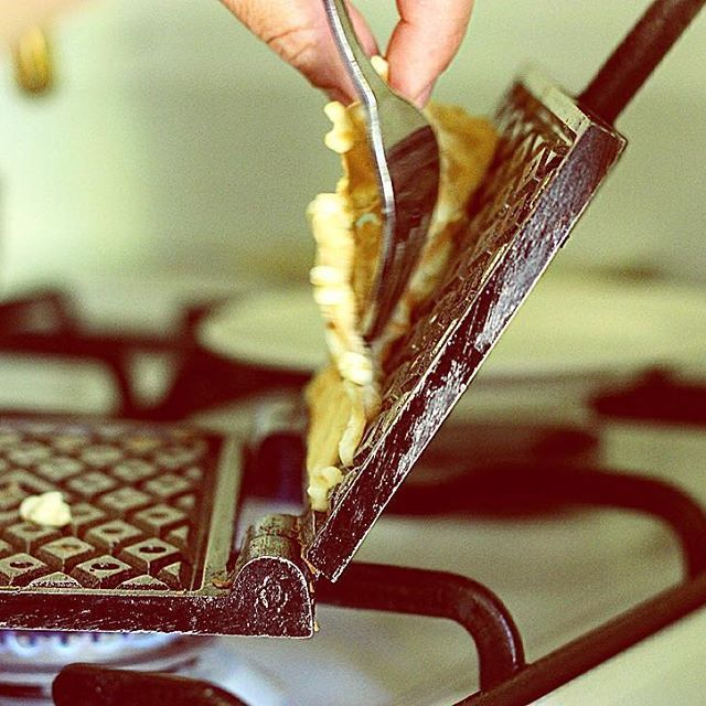 Pizzelle (Italian Waffles) are in the making!  #pizzelle #waffles #oliveoil #mangia #yum #eat #italiancuisine #abbruzzese #abruzzo #italianrecipes #recipes #taughtbythebest #food #foodlove #foodlover #foodie #foodblogger #traditional #tasty#yummy #italiansnack