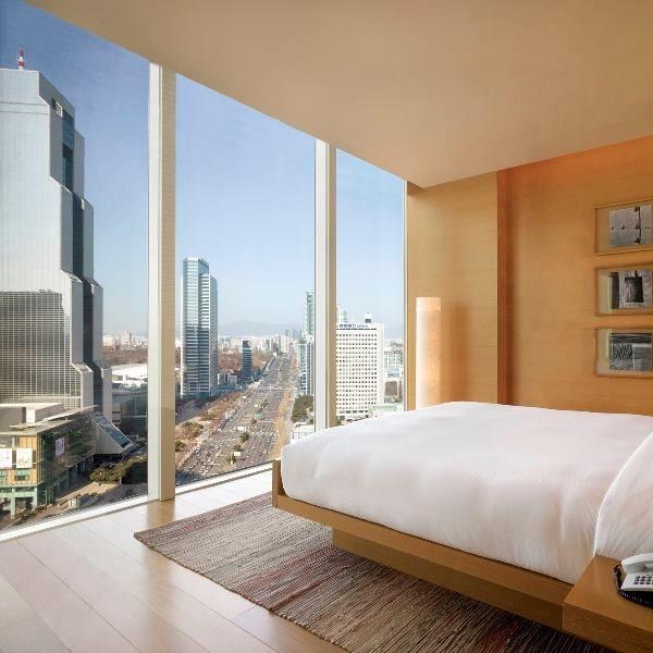 韓国は日本からも近く、安価で旅行できるスポットですよね。今回は韓国の絶景が楽しめるホテルを紹介していきたいと思います。美しい夜景や室内、プールなどが堪能できるので、ちょっぴり贅沢な女子旅や恋人との旅行におすすめです♪