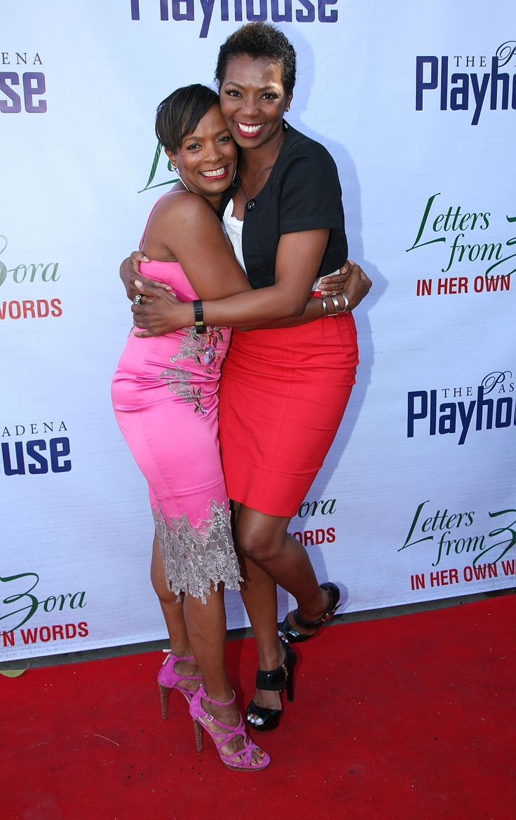L R Vanessa Bell Calloway and Vanessa Williams