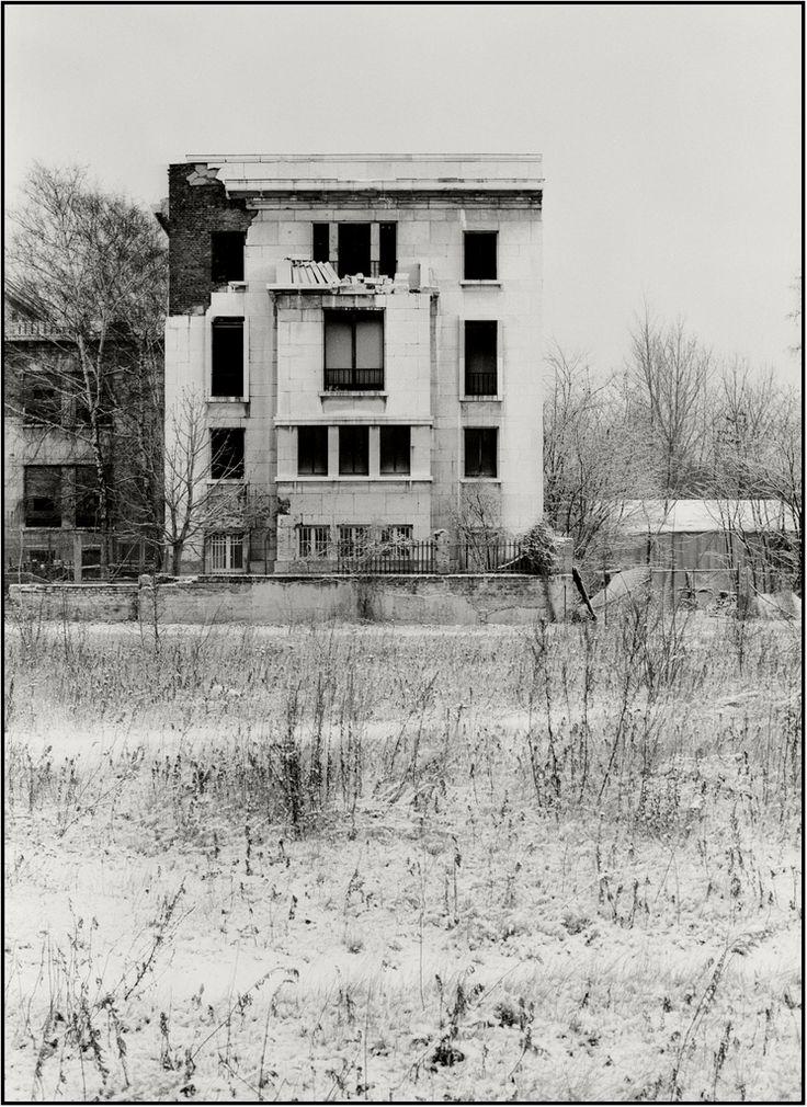 192 besten berlin krieg ruinen bilder auf pinterest ruinen deutschland und geschichte. Black Bedroom Furniture Sets. Home Design Ideas