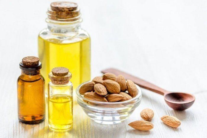 فوائد زيت اللوز المر للبشرة والجسم Food Condiments