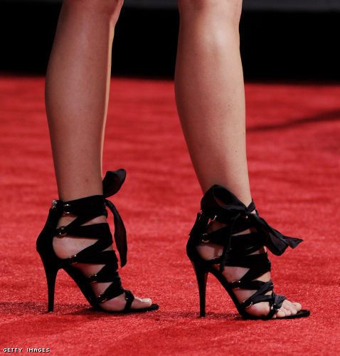 They may be uncomfortable...but they sure do look good!! Go Keri Russell!