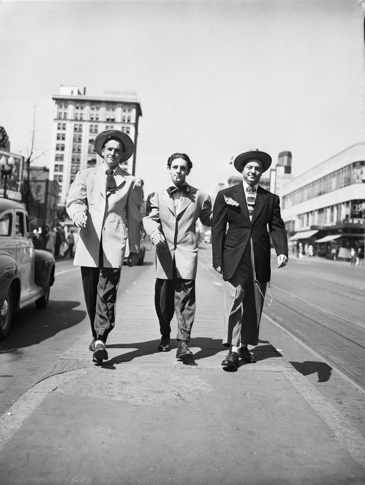 1943 - 1944 Zoot Suits and Porkpie Hats were the popular trend. (Jeanette H.)