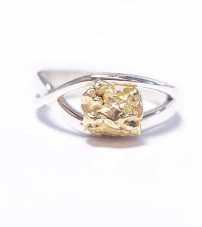 gold nugget engagement ring handcrafted in New Zealand