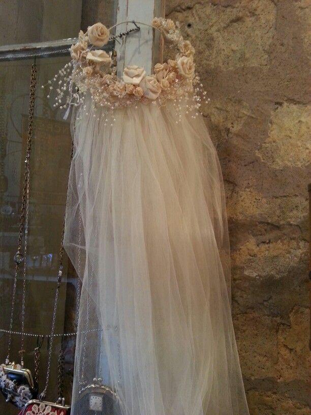 Vintage #Wedding veil ... Wedding ideas for brides, grooms, parents & planners ... https://itunes.apple.com/us/app/the-gold-wedding-planner/id498112599?ls=1=8 … plus how to organise an entire wedding ♥ The Gold Wedding Planner iPhone App ♥
