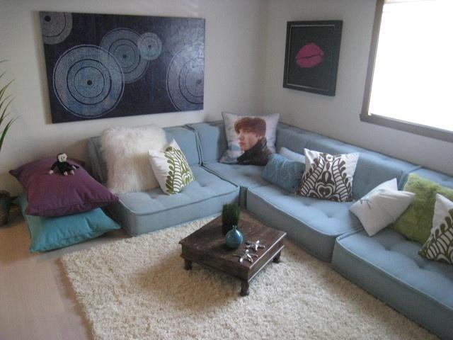 Teen lounge contemporary kids