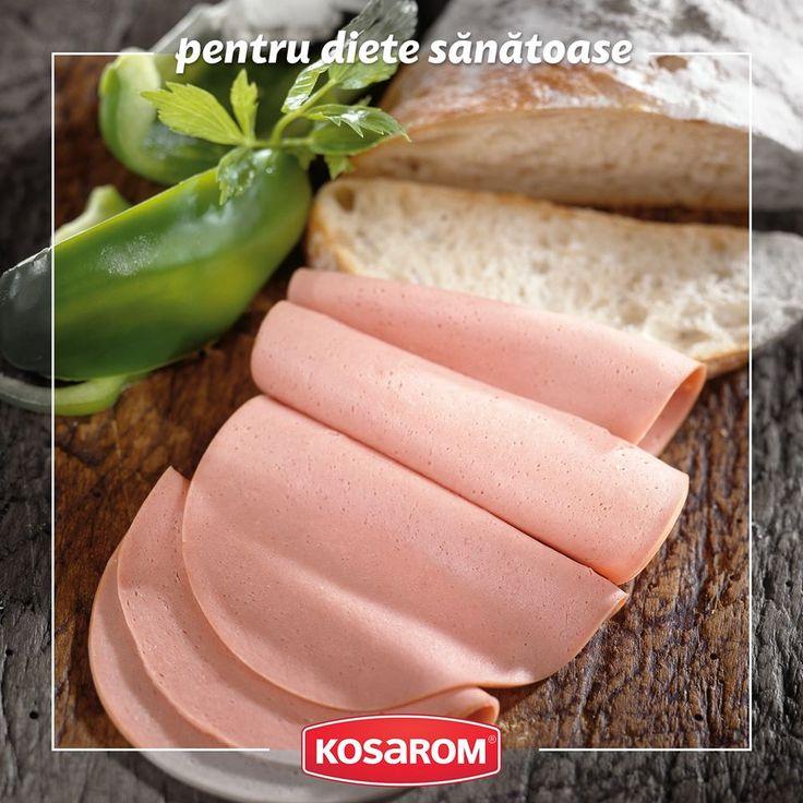 Varietatea de parizere Kosarom au un gust deosebit şi se impun prin suculenţă, frăgezime şi feliere uşoară. Bogat în proteine, parizerul Kosarom este ideal pentru micul dejun, alături de brânzeturi şi legume proaspete. #parizer #kosarom #micdejun