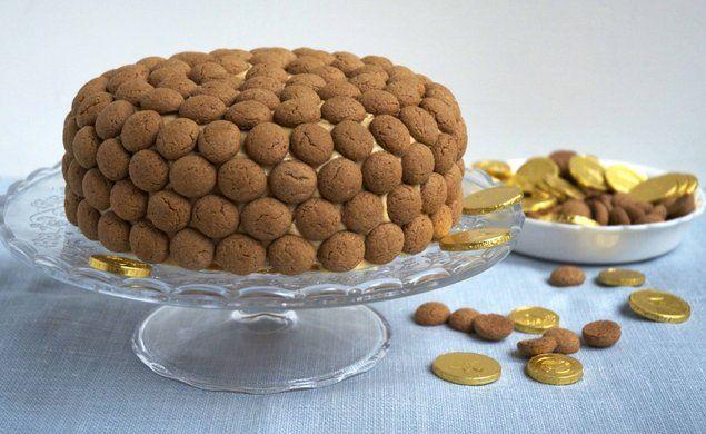 Sinterklaastaart - 't heerlijk avondje is gekomen, dat wordt smullen! Maak deze heerlijke Sinterklaastaart met speculoos en kruidnootjes.