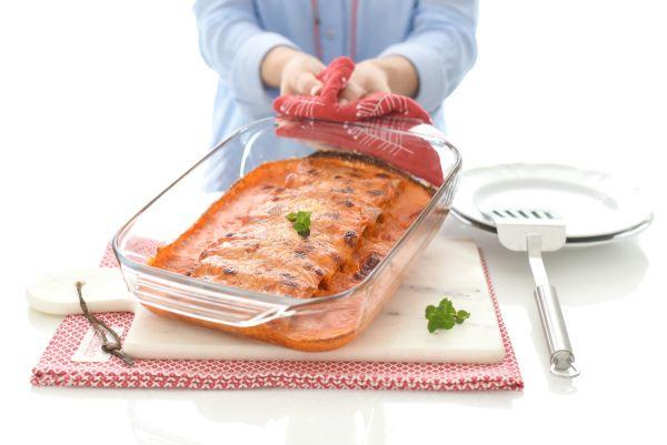 Canelones de pollo con salsa de piquillo | Velocidad Cuchara