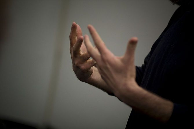 4 Ways to Develop Good Communication Skills - wikiHow