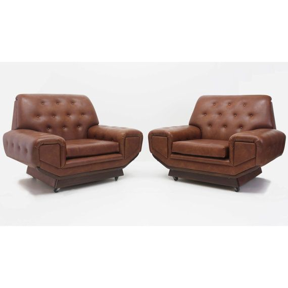 Vintage Pair of Mid Century Oversized Retro Lounge by momidmodern