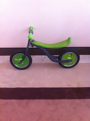 Bicicletta a spinta http://hipmums.it/collections/accessori/products/bicicletta-senza-pedali-247