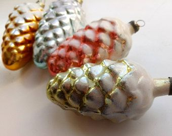 Set of 4 Vintage Christmas Glass Ornaments Pine cone,Soviet Frosted Bump First,Christmas Ornament Retro Xmas 60s, hristmas decoration gifts